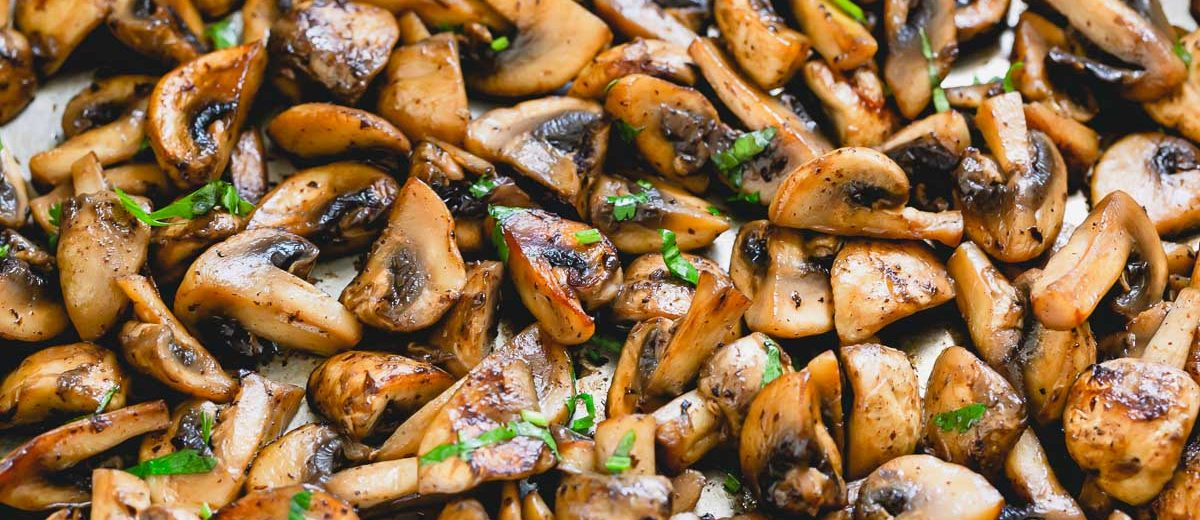 How to saute mushrooms the right way to get perfectly caramelized, tender and flavorful mushrooms!