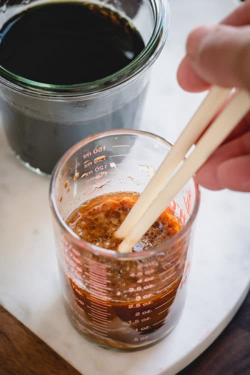 This is a great all-purpose Chinese stir-fry sauce that is quick and flavorful to complement your weeknight stir fry dinner.  It has a well-rounded flavor, perfect for any meat and vegetable combination.