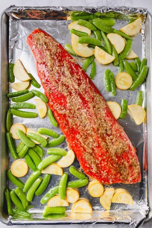 30-minute baked salmon sheet pan dinner